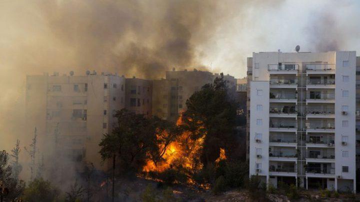حريق بموقف عام في مستوطنة قرب حيفا