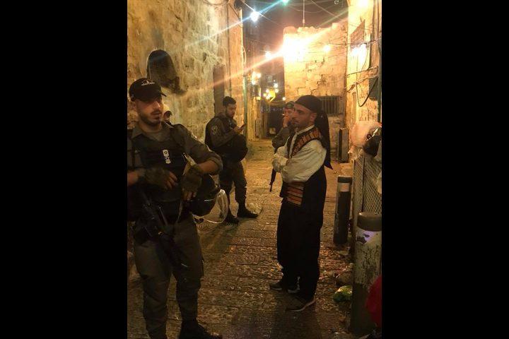 """الاحتلال يعتقل """"مُسحّري"""" القدس القديمة بزعم ازعاج المستوطنين"""