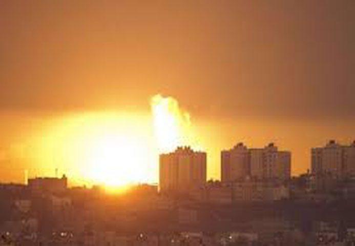 طيران الإحتلال يُغير على عدة مواقع للمقاومة في غزة ونجاة مجموعة مسلحة
