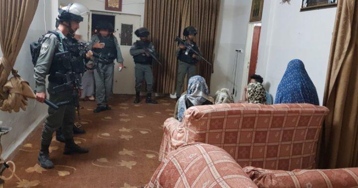 حملة مداهمات واعتقالات في عدة محافظات الضفة