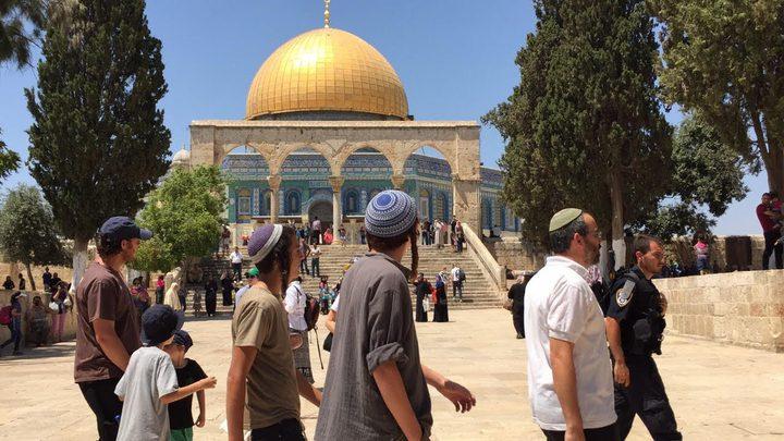 66 مستوطنا وعنصران من مخابرات الاحتلال يقتحمون الأقصى