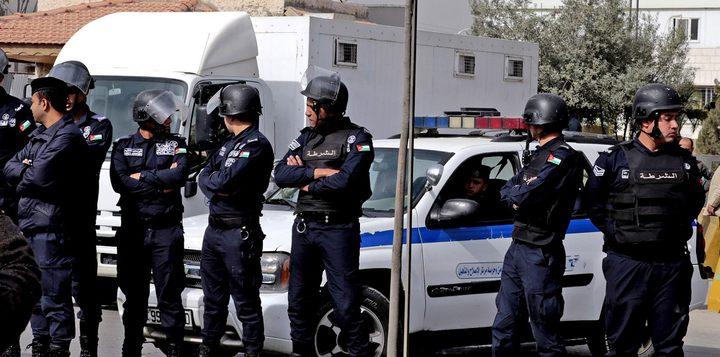 الأمن الأردني يمنع محتجين من الوصول لمقر رئاسة الوزراء