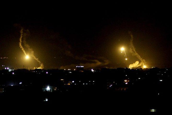 طيران الاحتلال يغير على عدة مواقع للمقاومة في قطاع غزة