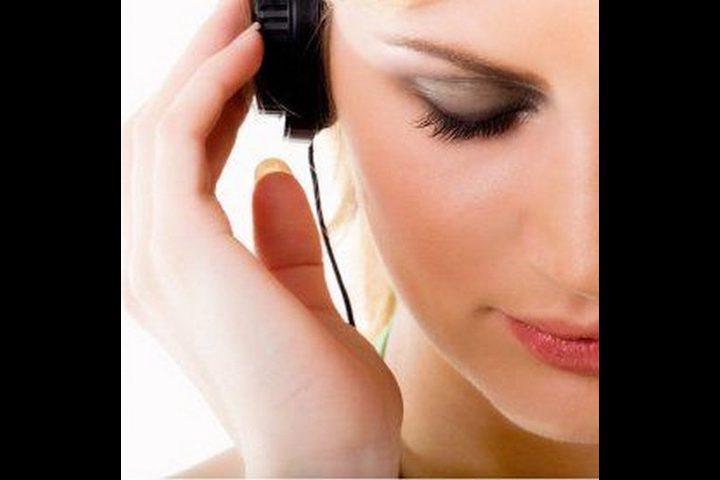 ما هي خطورة إستماع الجيل الشاب إلى الموسيقى الصاخبة ؟