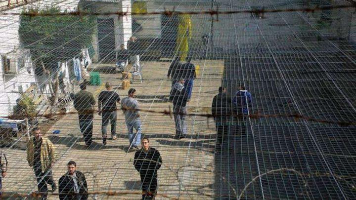 4 أسرى يدخلون أعوامًا جديدة داخل سجون الاحتلال