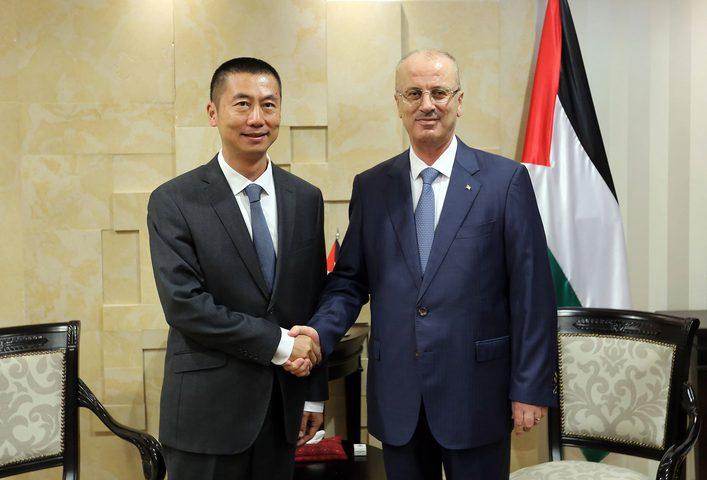 الحمد الله يبحث مع السفير الصيني تعزيز التعاون المشترك