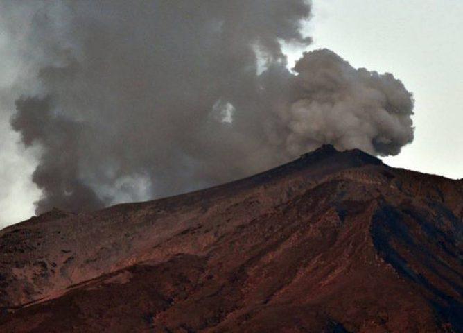 """غواتيمالا: حمم بركان """"فويغو"""" تقتل 25 شخصا وتشرد الآلاف"""