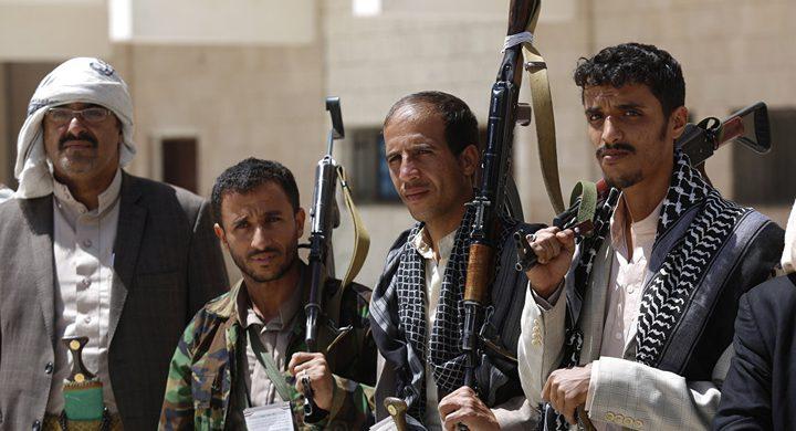 أسر عشرات الحوثيين في جبهة الساحل الغربي