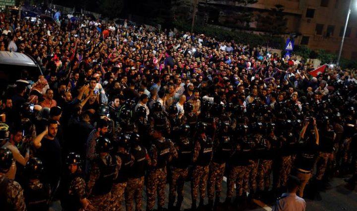 الأردن.. توجه لاستقالة الملقي بعد استمرار الاحتجاجات