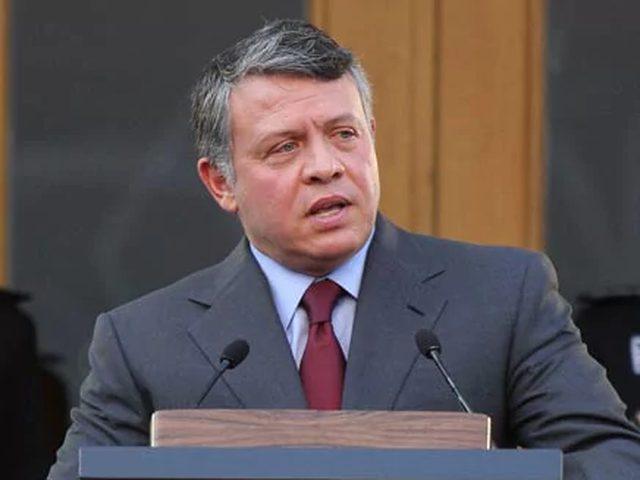 العاهل الأردني يقبل استقالة حكومة هاني الملقي