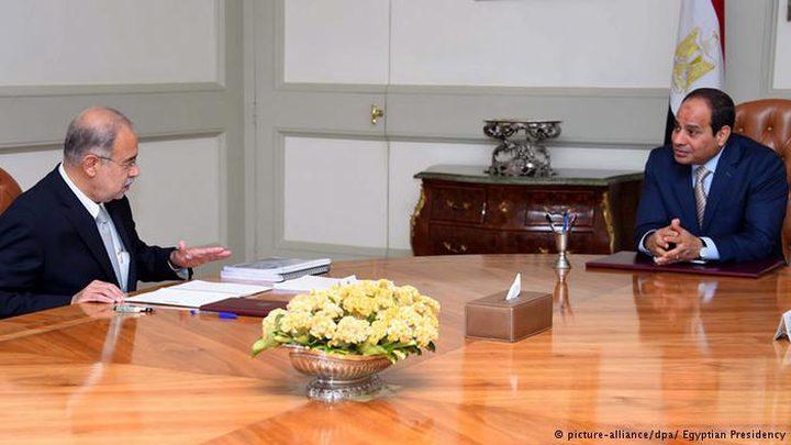 رئيس الوزراء المصري يتقدم باستقالته الى الرئيس السيسي