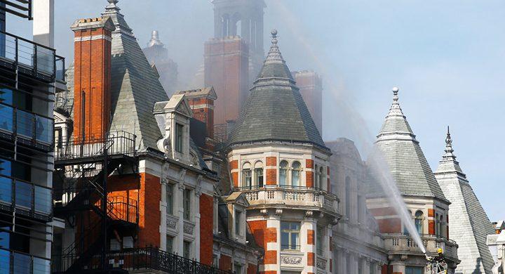 نشوب حريق في فندق وسط العاصمة البريطانية لندن