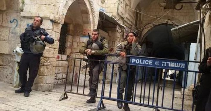 """اعتقال مواطنين واحتجاز مسؤولين في """"إعمار الخليل"""""""