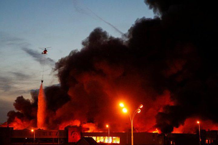 اشتعال النيران في الأحراش داخل السياج الفاصل شمال قطاع غزة