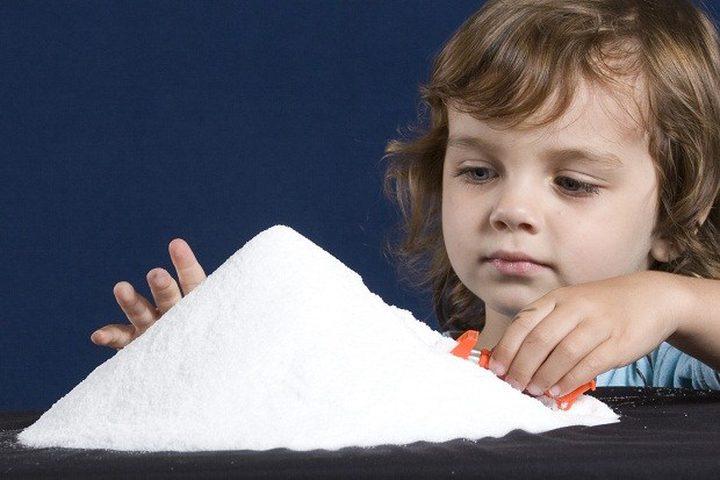 ما هي العلاقة بين إستهلاك الأطفال للملح ولعبهم بالألعاب الإلكترونية ؟