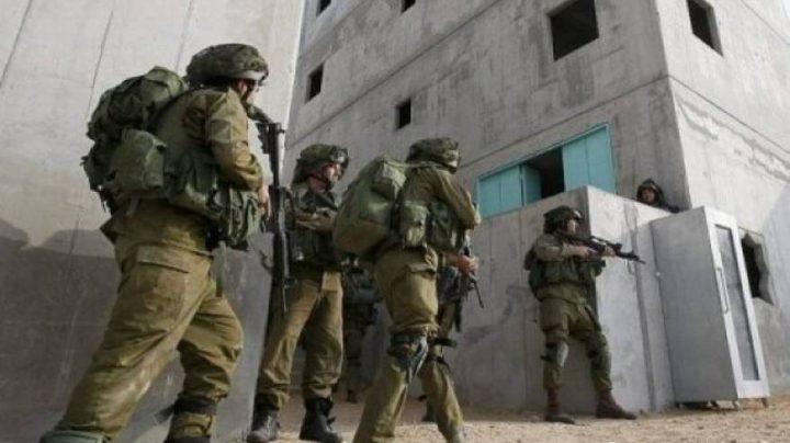 """قوات الاحتلال تغلق مدخل منزل """"باللحام الكهربائي"""" على ساكنيه"""