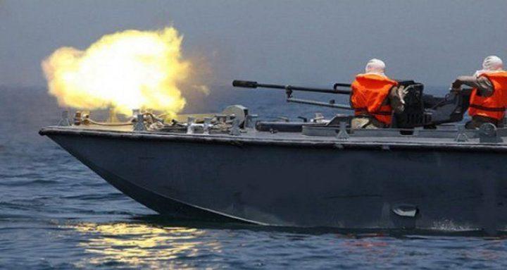زوارق الاحتلال تفتح نيران رشاشاتها تجاه قوارب الصيادين ببحر غزة
