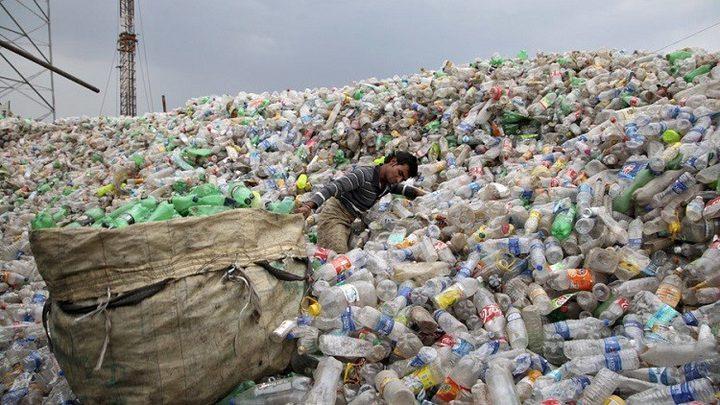 سنغافورة تتخلص من القمامة بالحرق لكن البلاستيك ما زال مشكلة