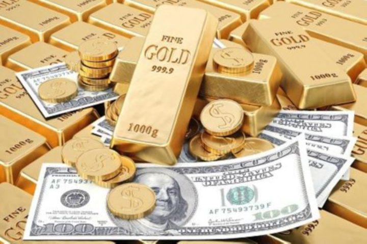 الذهب يرتفع وتعافي الدولار يقيد مكاسبه