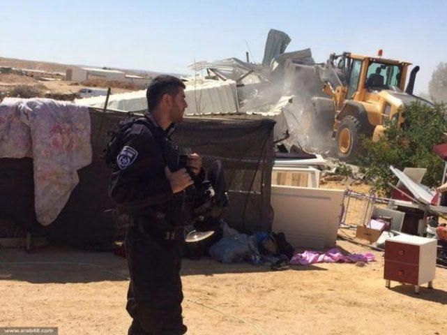 الاحتلال يخطر بهدم منازل في قرية الغراء مسلوب الاعتراف غرب النقب