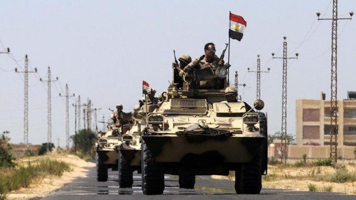 تفجيرات في سيناء ومحاكمة 28 مصرياً بزعم محاولة إسقاط النظام