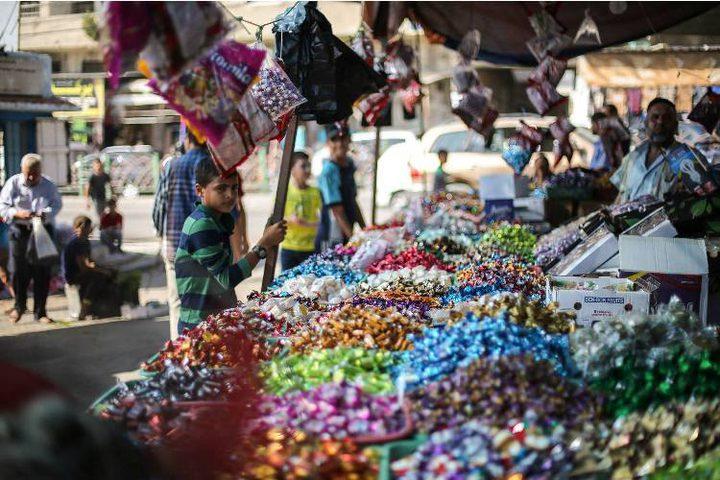 أسواق غزة تستقبل العيد ببضائع مكدسة ومتسوق غائب