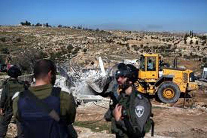 الاحتلال يمنع استصلاح أراضٍ ويستولي على جرافة جنوب نابلس