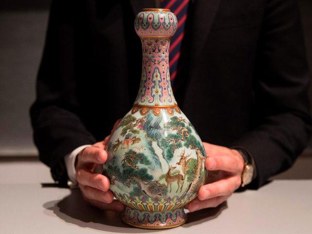 مزهرية صينية بسعر تجاوز 16 مليون يورو في مزاد بباريس