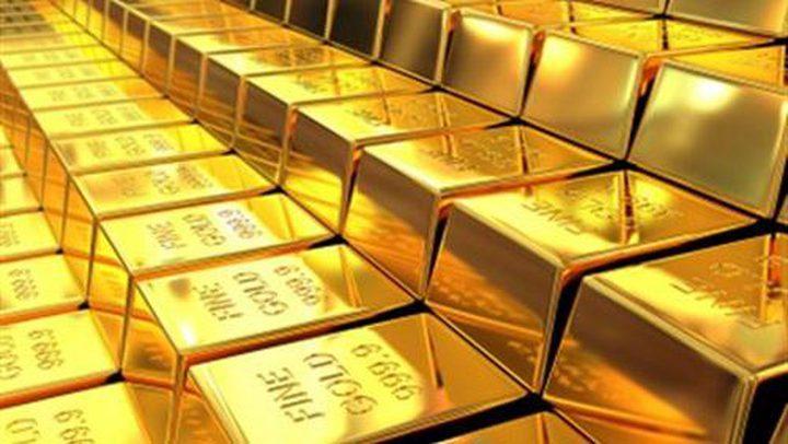 تراجع أسعار الذهب إلى أقل من 1300 دولار للأوقية