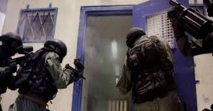قراقع: سلطات الاحتلال تعمدت قمع الأسرى خلال عيد الفطر