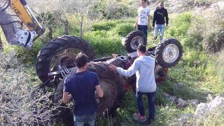 وفاة طفل متأثراً بجروحه نتيجة انقلاب جرار زراعي شرق جنين
