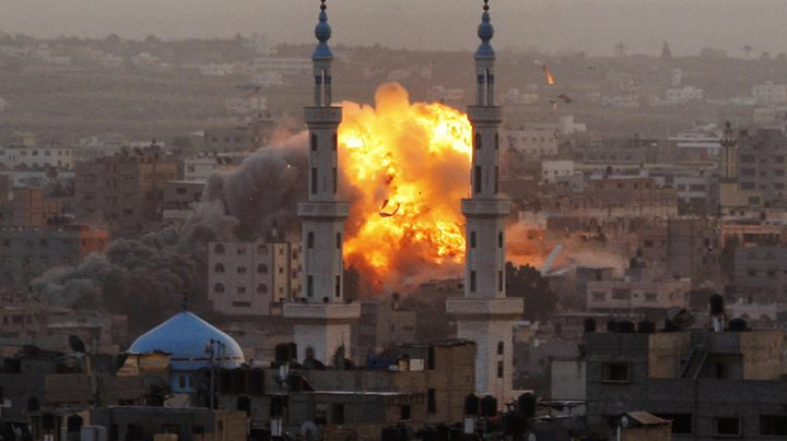 طائرات الاحتلال تقصف أهدافاً في غزة