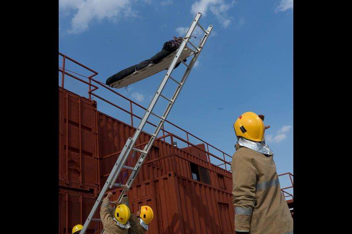 76 حادث إطفاء وإنقاذ خلال يوم واحد فقط