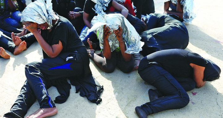 غرق 5 مهاجرين وإنقاذ 117