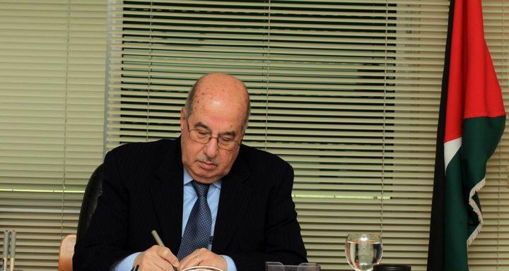 الزعنون يبحث مع أعضاء التنفيذية تطورات الأوضاع على الساحة الفلسطينية