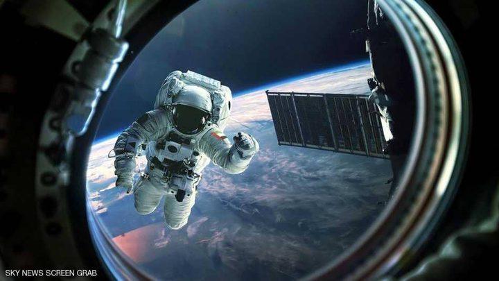 أول إماراتي يستعد لغزو الفضاء!