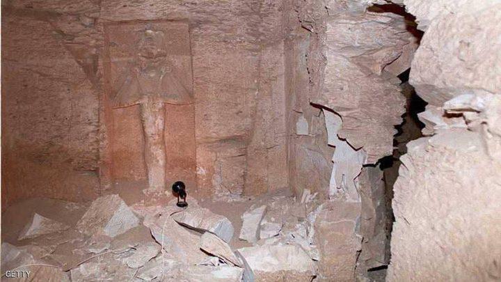 مخربون يحطمون تمثالي إيزيس وأوزوريس في اليونان