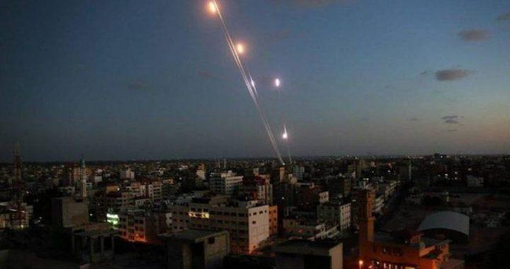 صحيفة عبرية: جيش الاحتلال لم يتمكن من تحديد أماكن مطلقي الصواريخ بغزة