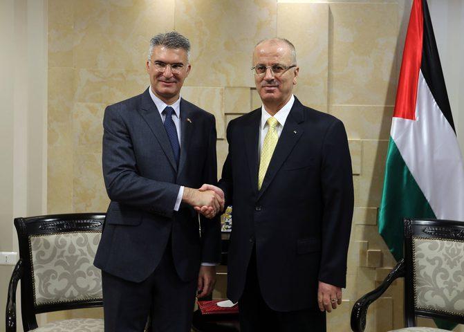 الحمد الله يبحث مع وزير خارجية مالطا آخر التطورات والتعاون المشترك