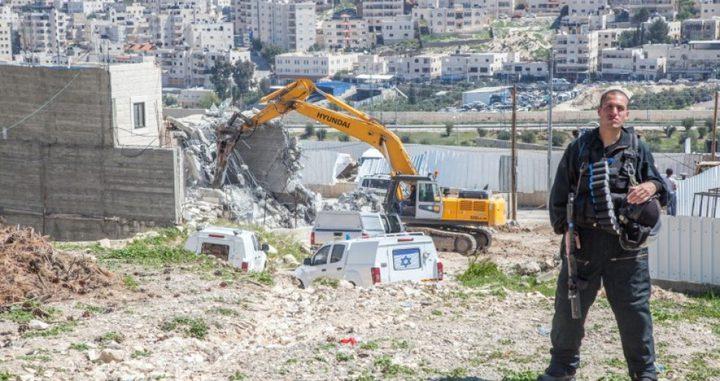 سلطات الاحتلال تجمد قرار إخلاء عائلة مقدسية من منزلها في سلوان