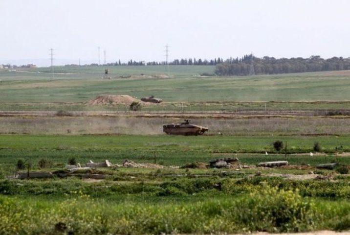 الاحتلال يطلق النار تجاه المزارعين شرق دير البلح ويستهدف الصيادين