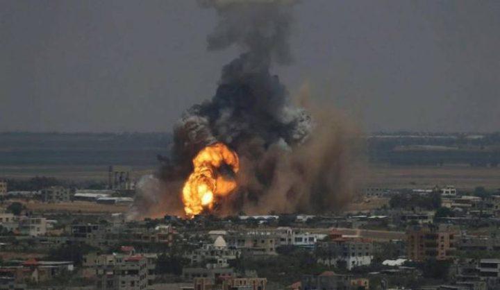 طائرة إسرائيلية تطلق صاروخاً على مواطنين شرق مدينة غزة