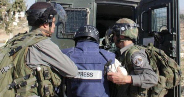 """""""الإعلام"""" تدعو لإطلاق سراح الصحافيين الوحواح وبنات"""