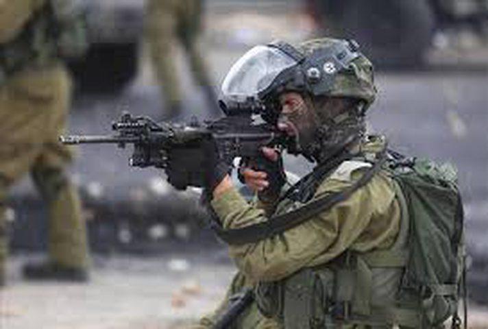 بتر يد طفل بعد إصابته بقنبلة أطلقها عناصر قوات الاحتلال نحوه