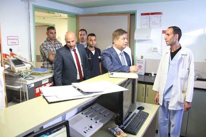 وزير الصحة يتعهد باتخاذ إجراءات سريعة لرفع مستوى الخدمات الفندقية بمجمع فلسطين الطبي