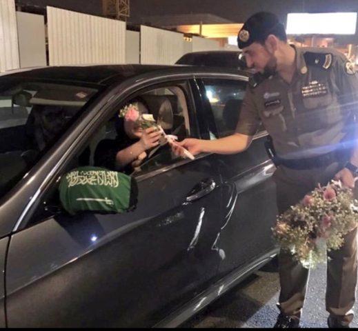 كيف استقبل السعوديون تنفيذ قرار السماح بقيادة المرأة للسيارة؟