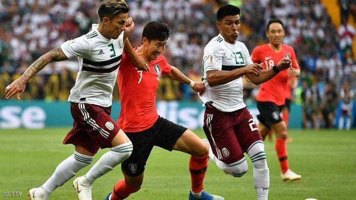 """المكسيك تعبر الشمشون الكوري.. وتقترب من """"دور الكبار"""""""