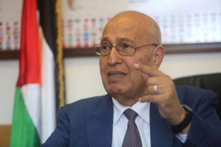 شعث: سنقدم مقترح مشروع لاجتماع الاشتراكية الدولية لفرض عقوبات على اسرائيل