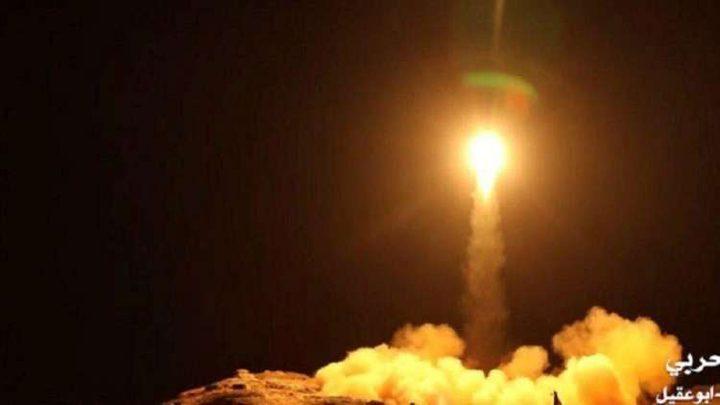 الدفاع الجوي السعودي يعترض صاروخين باليستيين فوق الرياض