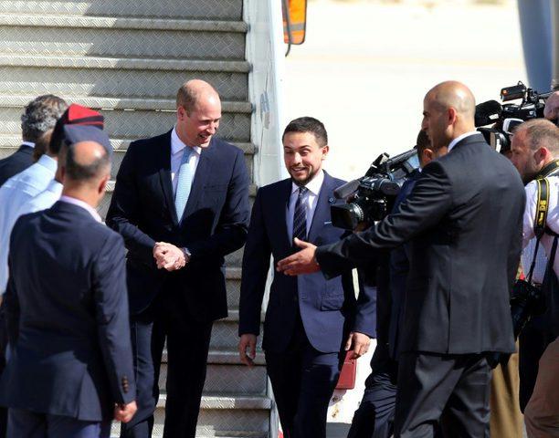 الأمير وليام يصل الأردن في مستهل جولته للمنطقة